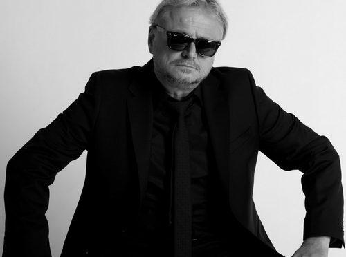 """Първия самостоятелен албум на Румен Бояджиев – """"Бяло"""""""