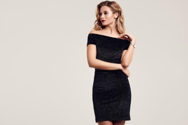 Една рокля, пет образа