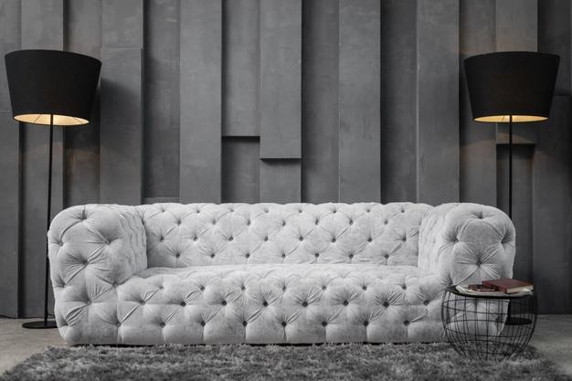 Модерният диван в интериора на съвременния дом
